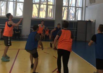 Товарищеская встреча по баскетболу.